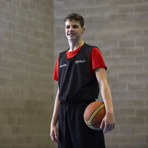 Nikolaj - Basketball student
